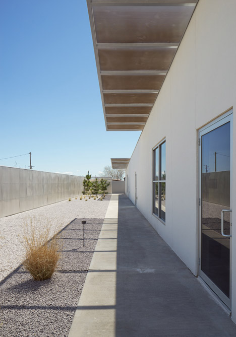 Inde-Jacobs-Marfa-gallery-building-by-Claesson-Koivisto-Rune-Architects_dezeen_468_19