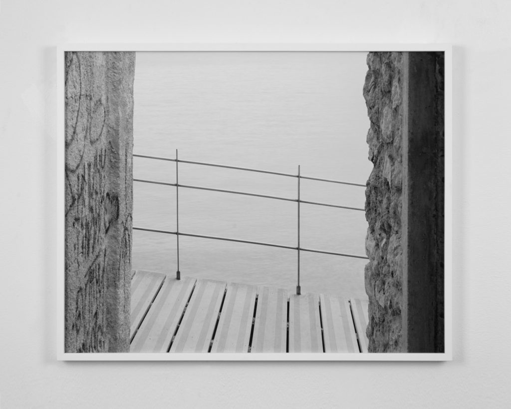 espen-gleditsch-a-place-by-the-sea-9-banister-60x76cm-2016